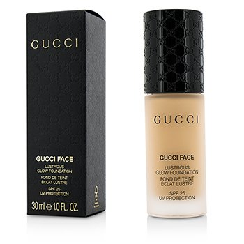 Gucci รองพื้น Lustrous Glow Foundation SPF 25 - #030 (Light)
